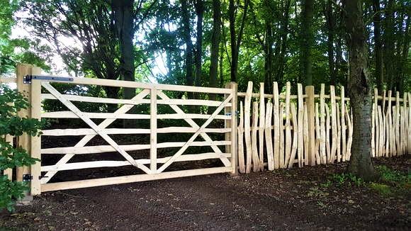 Cleft Deer Fence Gate