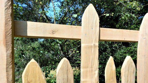 Cleft Pale Estate Fence-1
